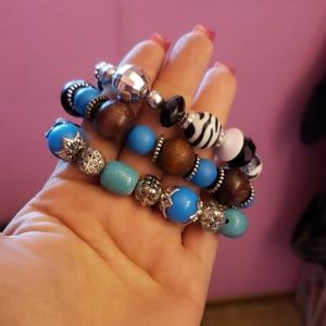 3 bundle stretchy bracelets